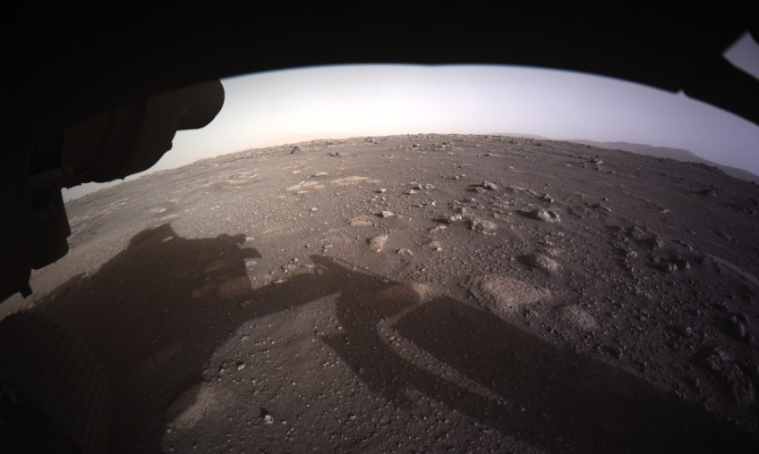 Mars Rover Beams Back Selfie from Moment Before Landing