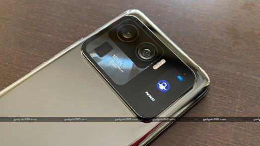 mi 11 ultra review rear display rr