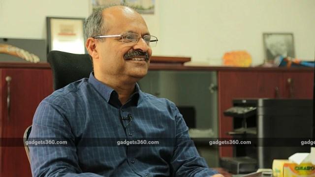 professor sudipto mukherjee iit delhi mirrorsize gadgets 360 Mirrorsize