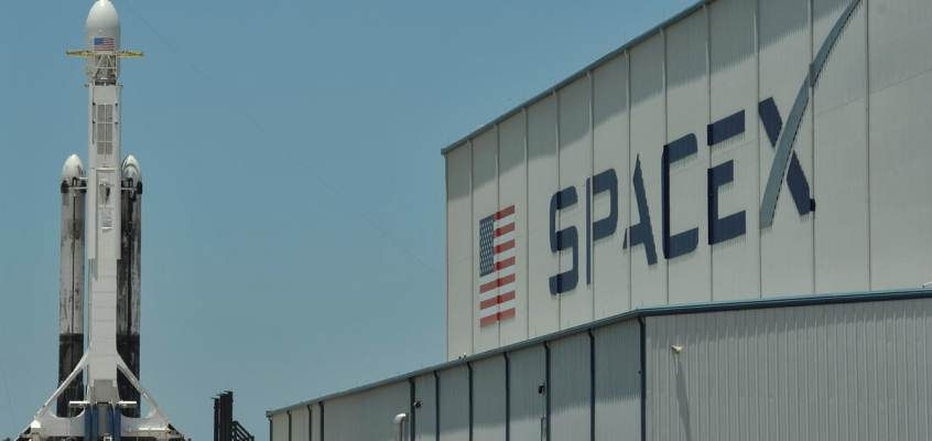 SpaceX Lands NASA Launch Contract for Mission to Jupiter's Moon Europa