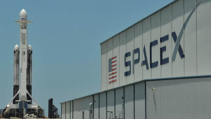 SpaceX Lands NASA Launch Contract for Mission to Jupiter's Moon Europa |  Technology News