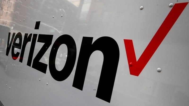 Verizon to Sell Yahoo, AOL Business to Apollo for  Billion
