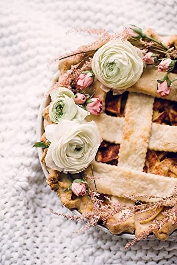 DIY Floral Pie Topper. It's like if all of my favorite Pinterest boards procreated.: