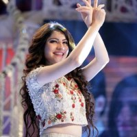 Pakistani actress Neelam Munir dancing