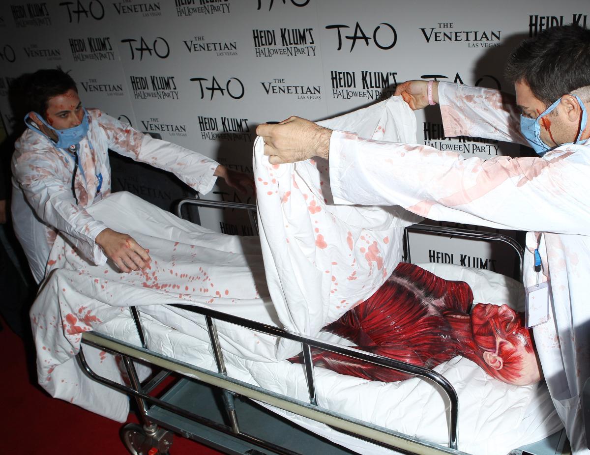 Heidi Klum Halloween Costume Dead Body PHOTOS HuffPost