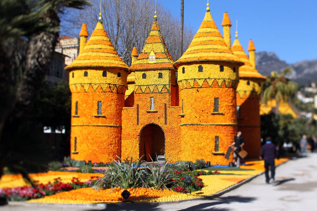 Fete du Citron - Orange And Lemon Sculptures