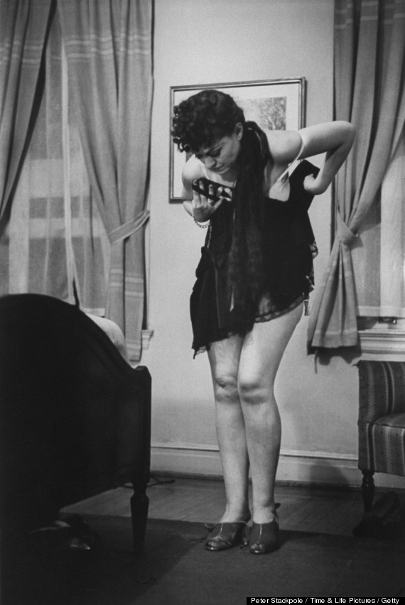 How A Wife Should Undress: Sex Advice From The 1930s
