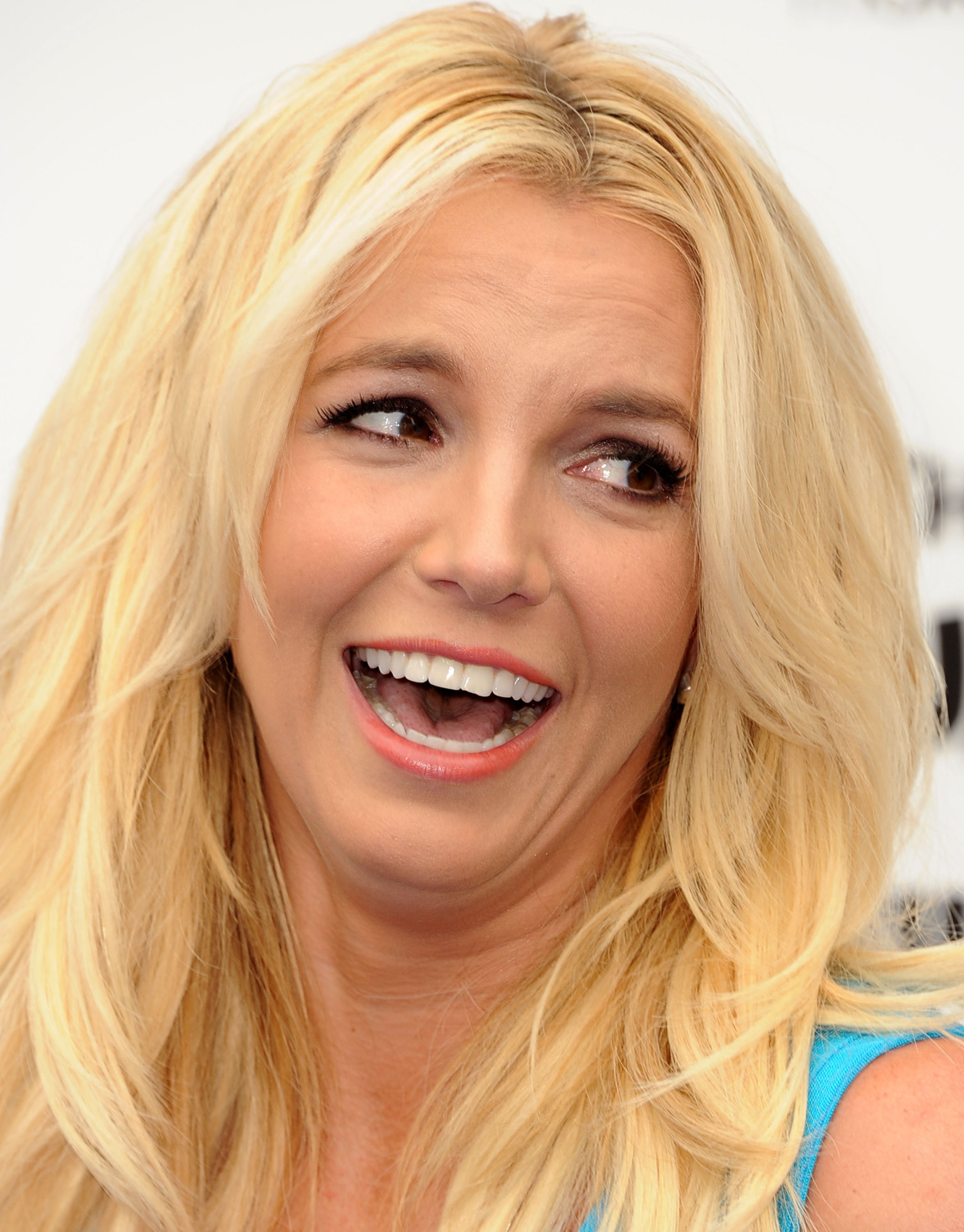Britney Spears Is Beaming With New Puppy After Rehearsal