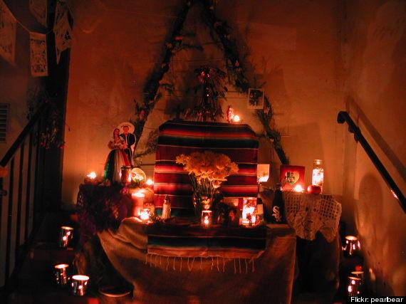 dia de los muertos altar