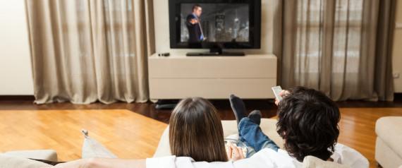 Nur öffentlich-rechtliches Fernsehen: Arbeitsloser Maurer verklagt Jobcenter