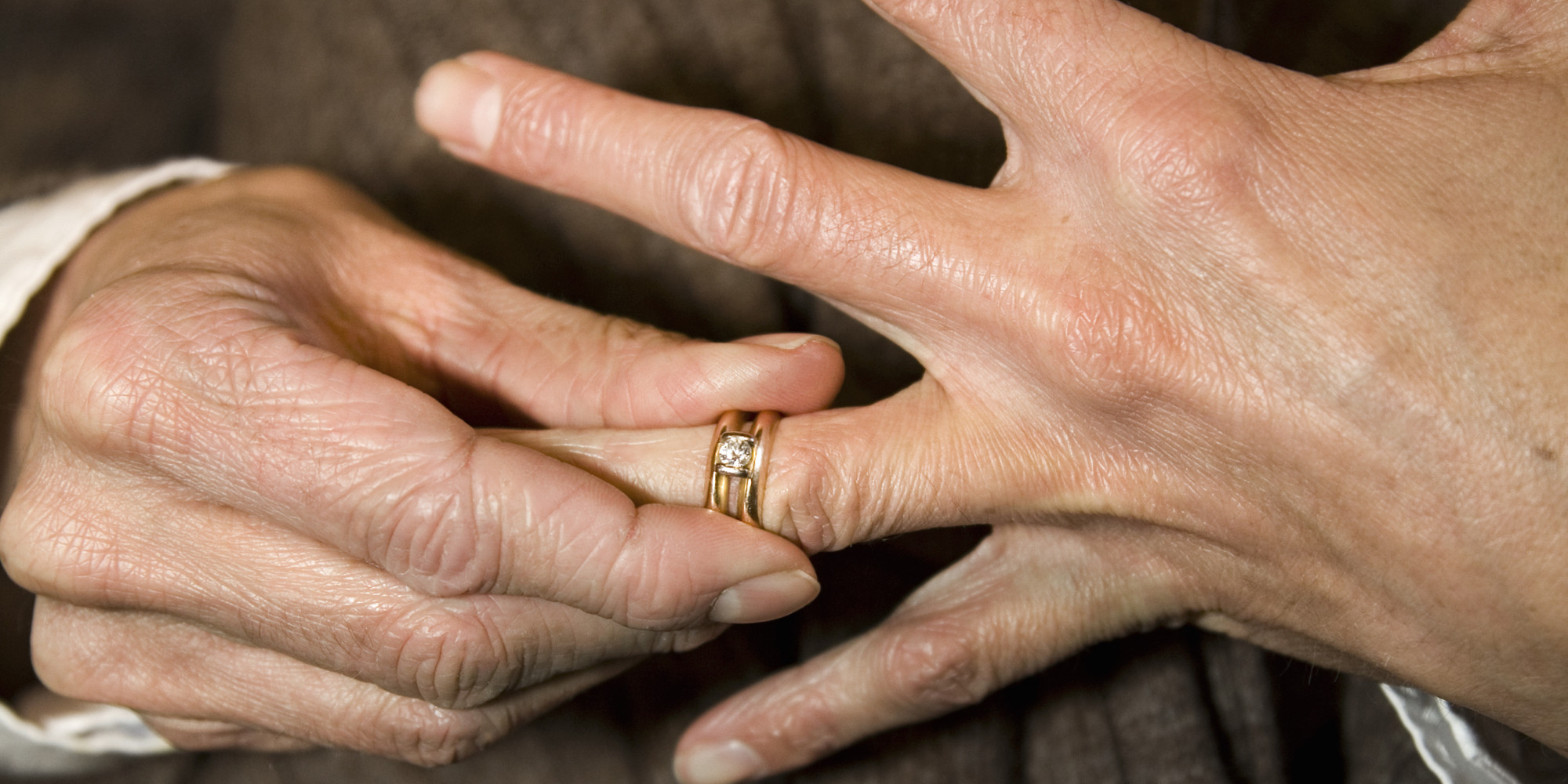REVEALED Why People Remove Their Wedding Rings