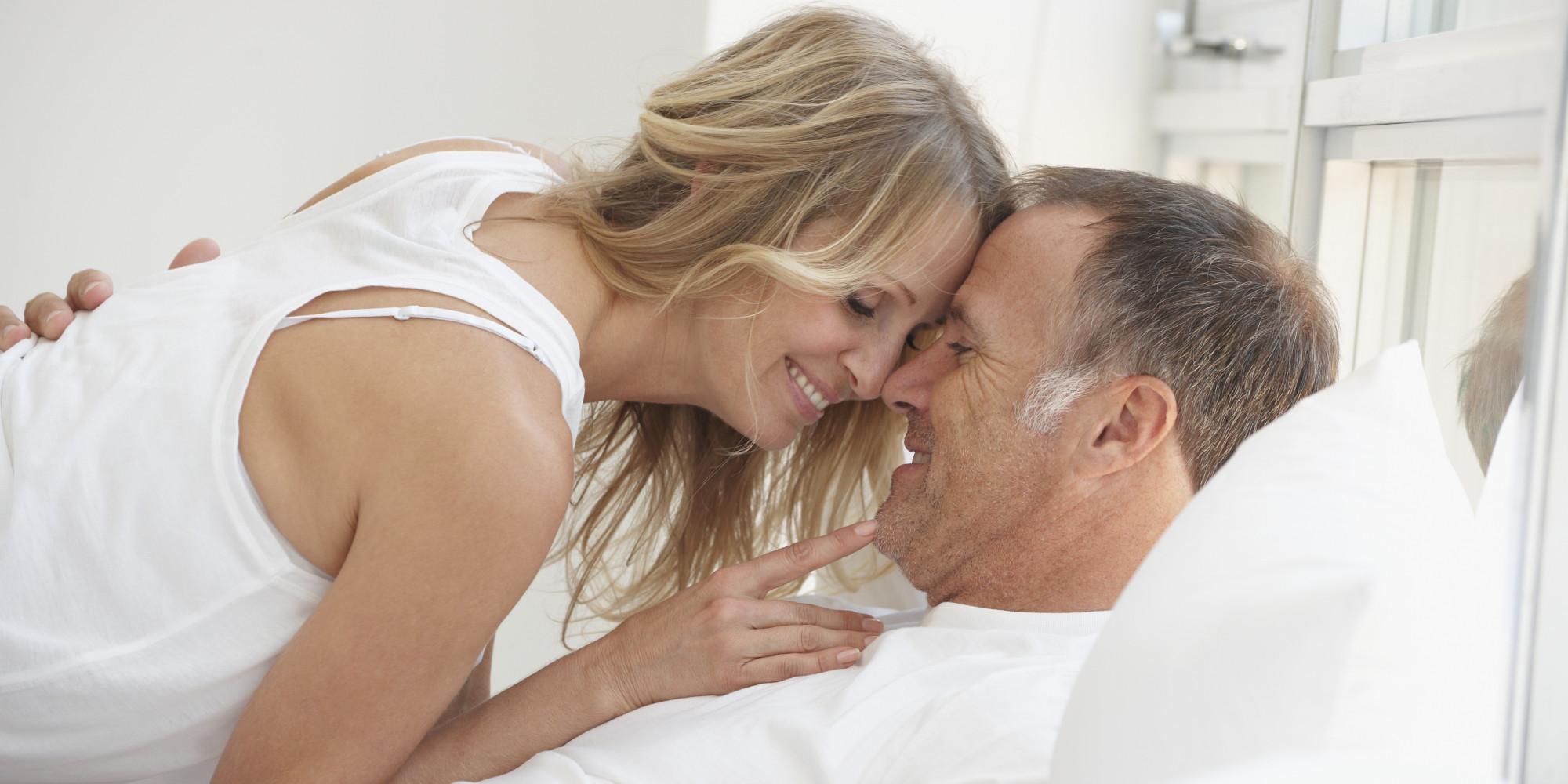 https://i2.wp.com/i.huffpost.com/gen/1717502/images/o-MATURE-COUPLE-IN-BED-facebook.jpg