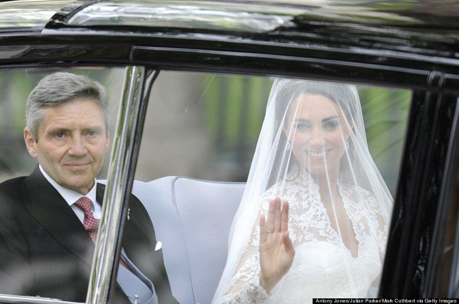 Kate Middletons Wedding Dress Still Holds Up PHOTOS