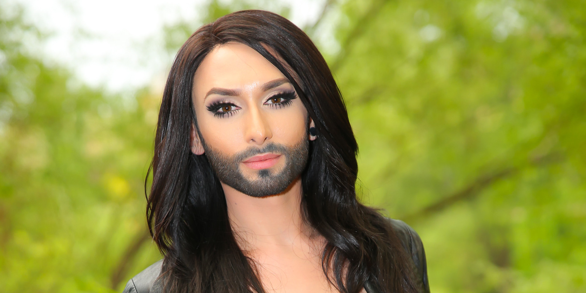 https://i2.wp.com/i.huffpost.com/gen/1771314/images/o-CONCHITA-WURST-facebook.jpg