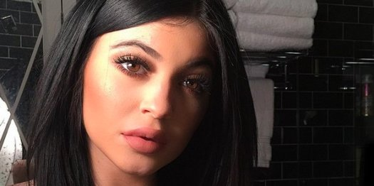 Teenage Girls Use Bottle Tops To Get Lips Like Kylie ...