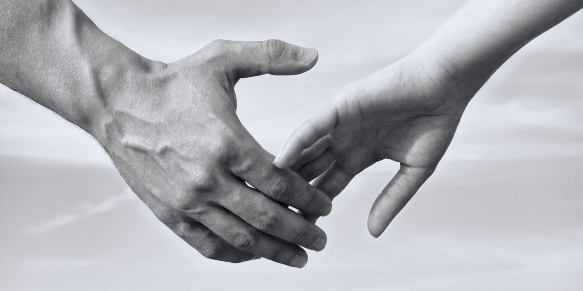 https://i2.wp.com/i.huffpost.com/gen/2611958/images/o-HOLDING-HANDS-facebook.jpg