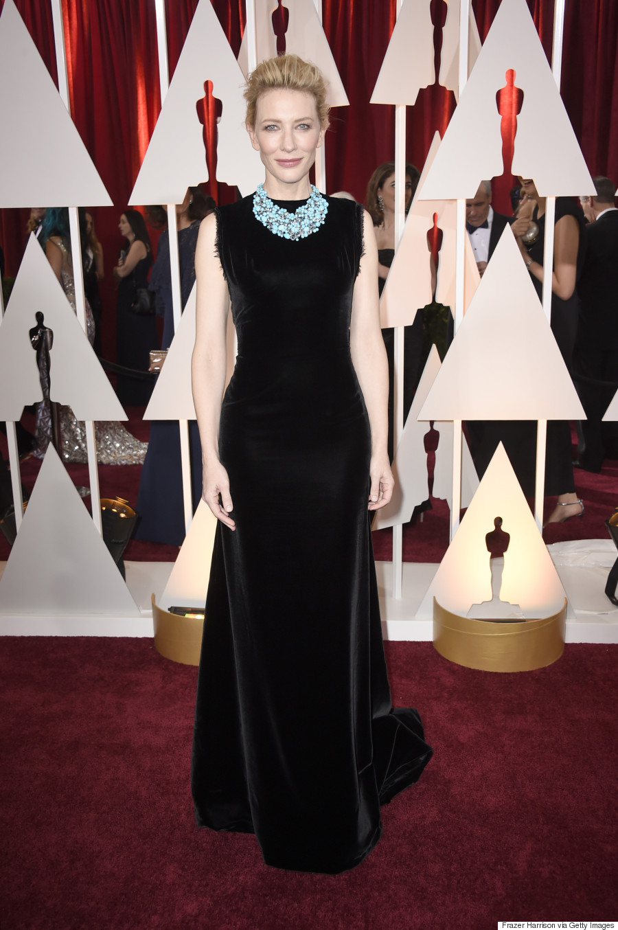 Cate Blanchetts Oscars 2015 Dress Gets Overshadowed By A