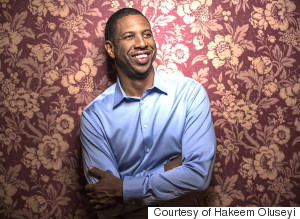 Is The Moon Hollow? And What Creatures Are Living Inside?  S-HAKEEMOLUSEYI-large300