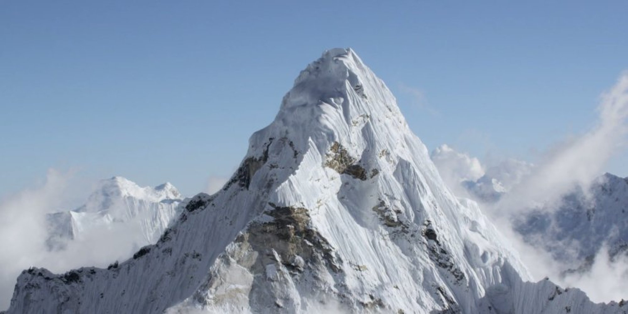 Mount Everest In 4k From 20 000 Feet