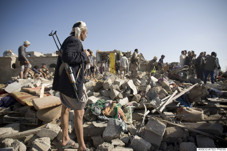 12 Powerful <b>Photos</b> That Show The Utter Devastation <b>In Yemen</b>