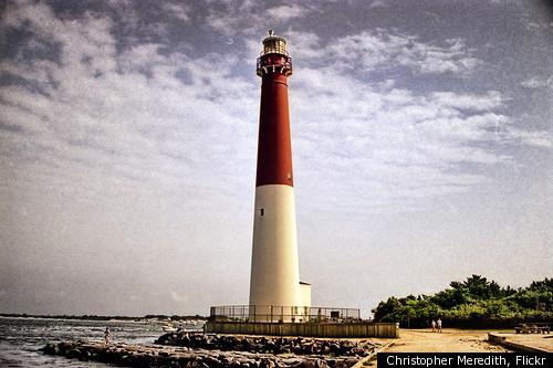 BARNEGAT-LIGHTHOUSE-ON-LONG-BEACH-ISLAND-NJ.jpg (500×333)