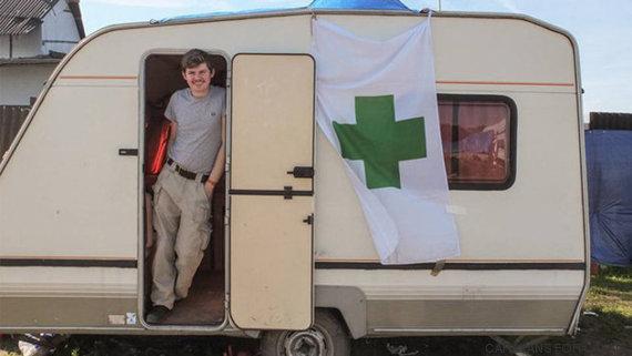 um campo de refugiados improvisado em calais