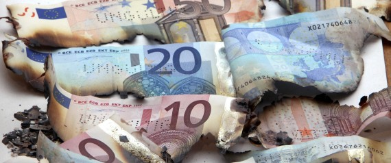 GREECE ECONOMY CUT MONEY