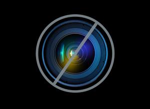 Http://i.huffpost.com/gen/504675/thumbs/sisraeldivestmentlarge300.jpg