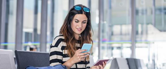 TALKING MOBILE PHONE AIRPORT