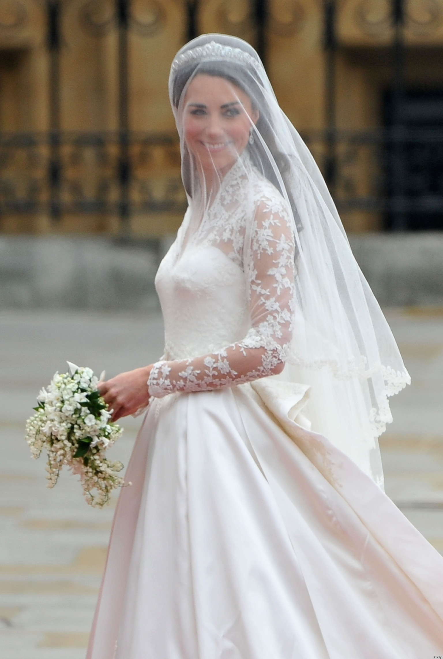 Kate Middleton Wedding Dress Causes Wikipedia Controversy