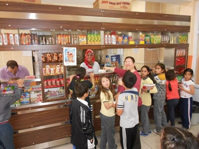 School canteens to reduce simit, toast, stuffed roll sizes in fight against obesity