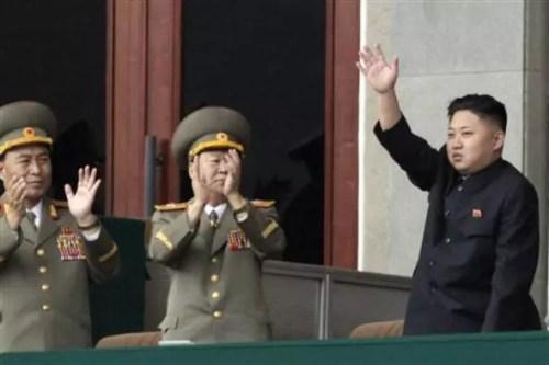Kim Jong-un hakkında kan donduran iddia: Pirana dolu su tankına attı
