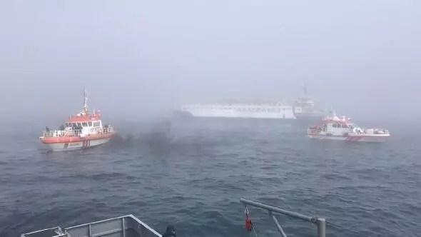 images de navires de sauvetage russes instantanément