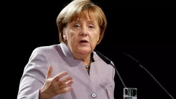 Merkelden flaş açıklama: Türklerin evet vermesi görüşümü değiştirmedi