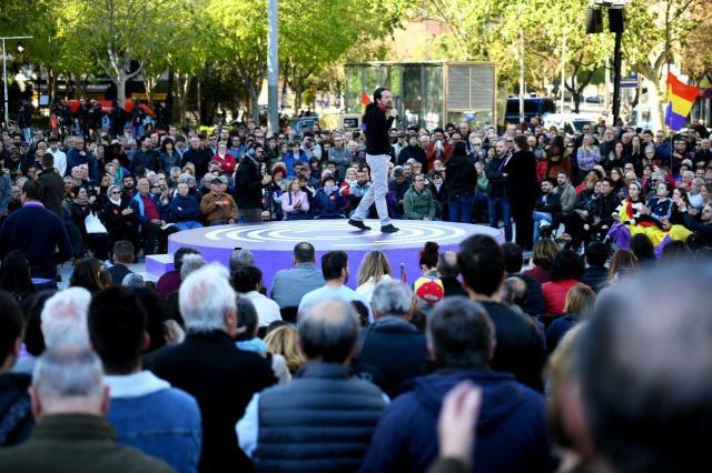 """Pablo Iglesias en Barcelona: """"El conflicto político de Catalunya no se va a solucionar ni con cárcel ni con jueces, sino dialogando y haciendo política"""""""