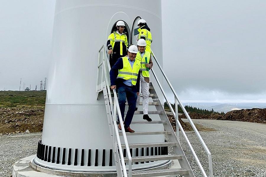 El director xeral de Enerxía e Minas de la Xunta imputado por prevaricación ambiental reivindica la invasión de parques eólicos en Galicia entre un mar de protestas de los colectivos ecologistas