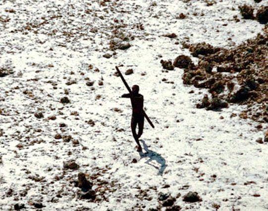 Cuando John Allen Chau decidió visitar la isla Sentinel del Norte, puso en peligro a los sentineleses no contactados.© Indian Coastguard/Survival