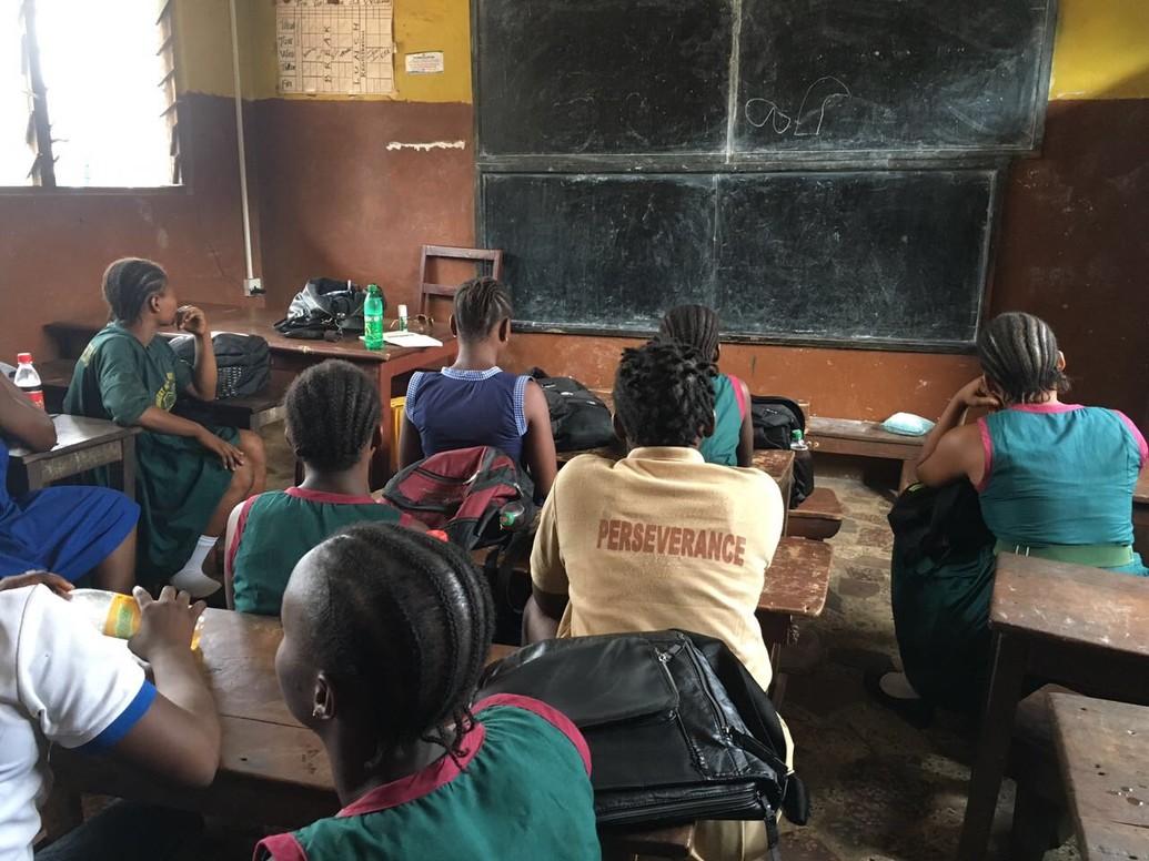 Sierra Leona: Un tribunal regional brinda esperanza a miles de niñas embarazadas a las que se prohíbe ir a la escuela