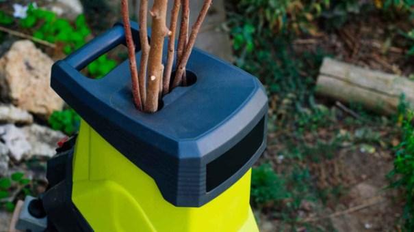 как выбрать подходящий садовый измельчитель для травы