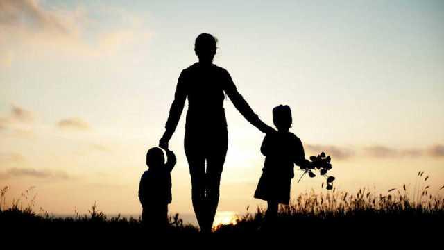 Más de la mitad de las familias monoparentales no puede hacer frente a gastos imprevistos