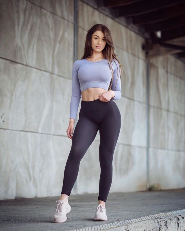 Clara-Felicia-Lindblom-Wallpapers-Insta-Fit-Girls-15