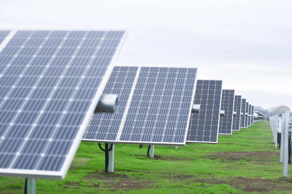 Seremi de Energía realizó visita técnica a nuevo Parque Solar de Ñuble