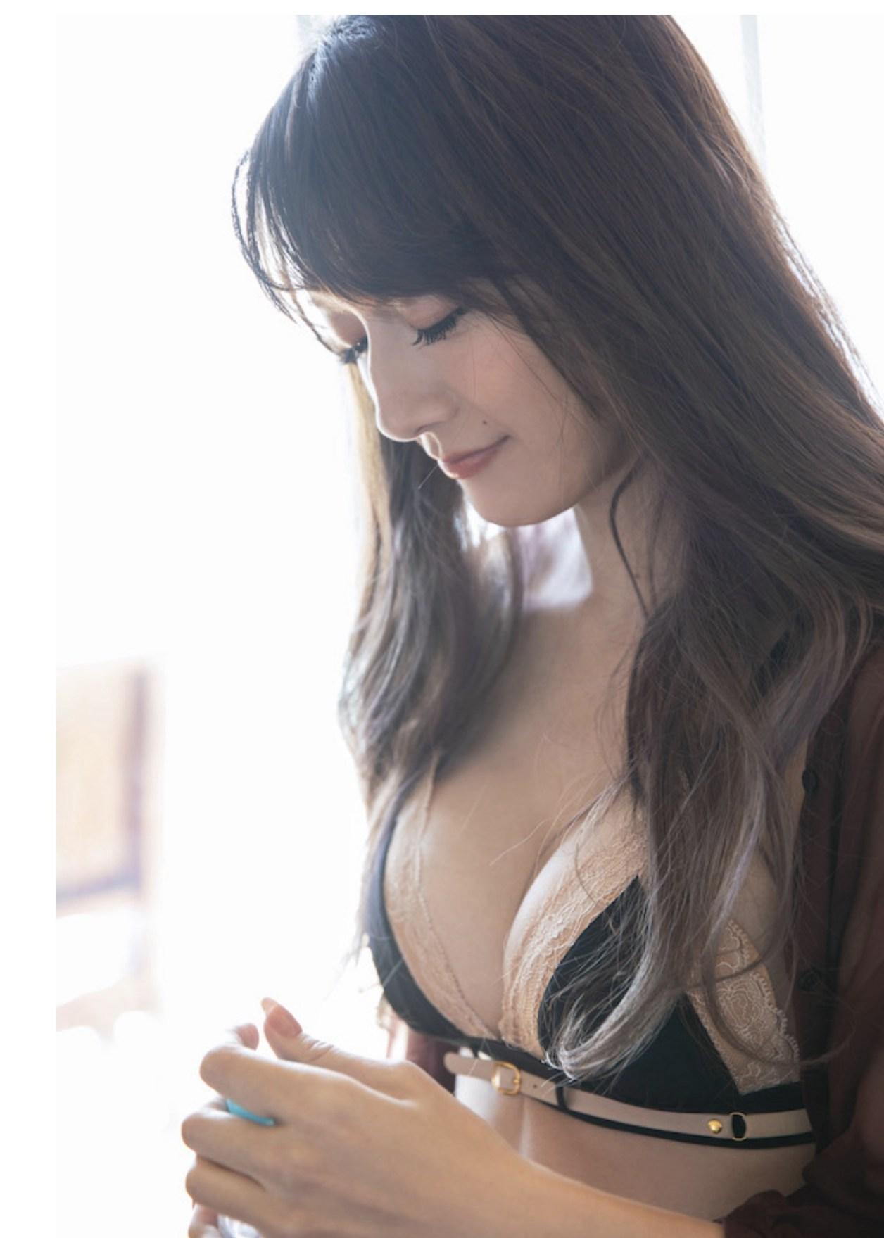 大島由香里 ファースト写真集『モノローグ』002