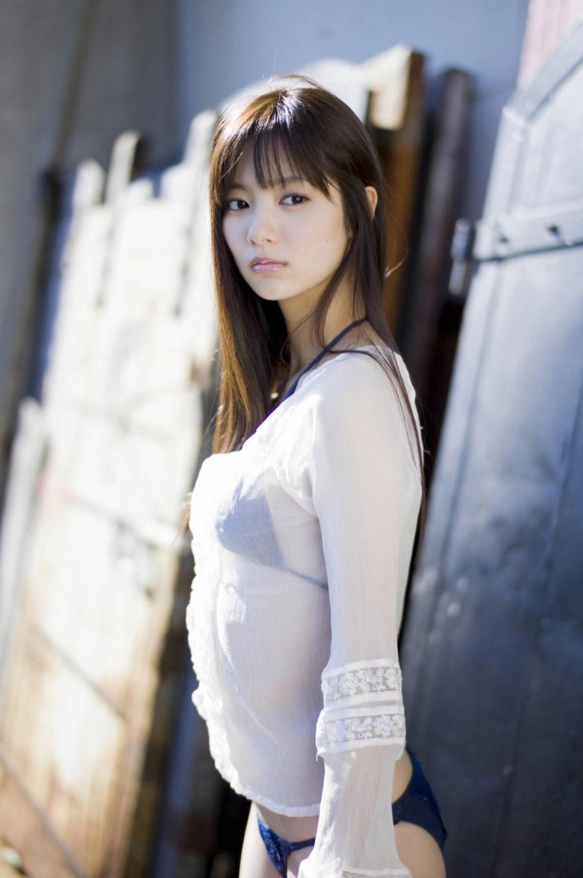 新川優愛「かわいすぎる」グラビア 10