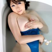 swimsuit-200927-049