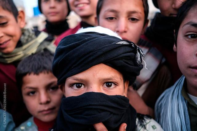 Cada día nueve niños mueren o resultan mutilados en Afganistán, la zona de guerra más letal del mundo
