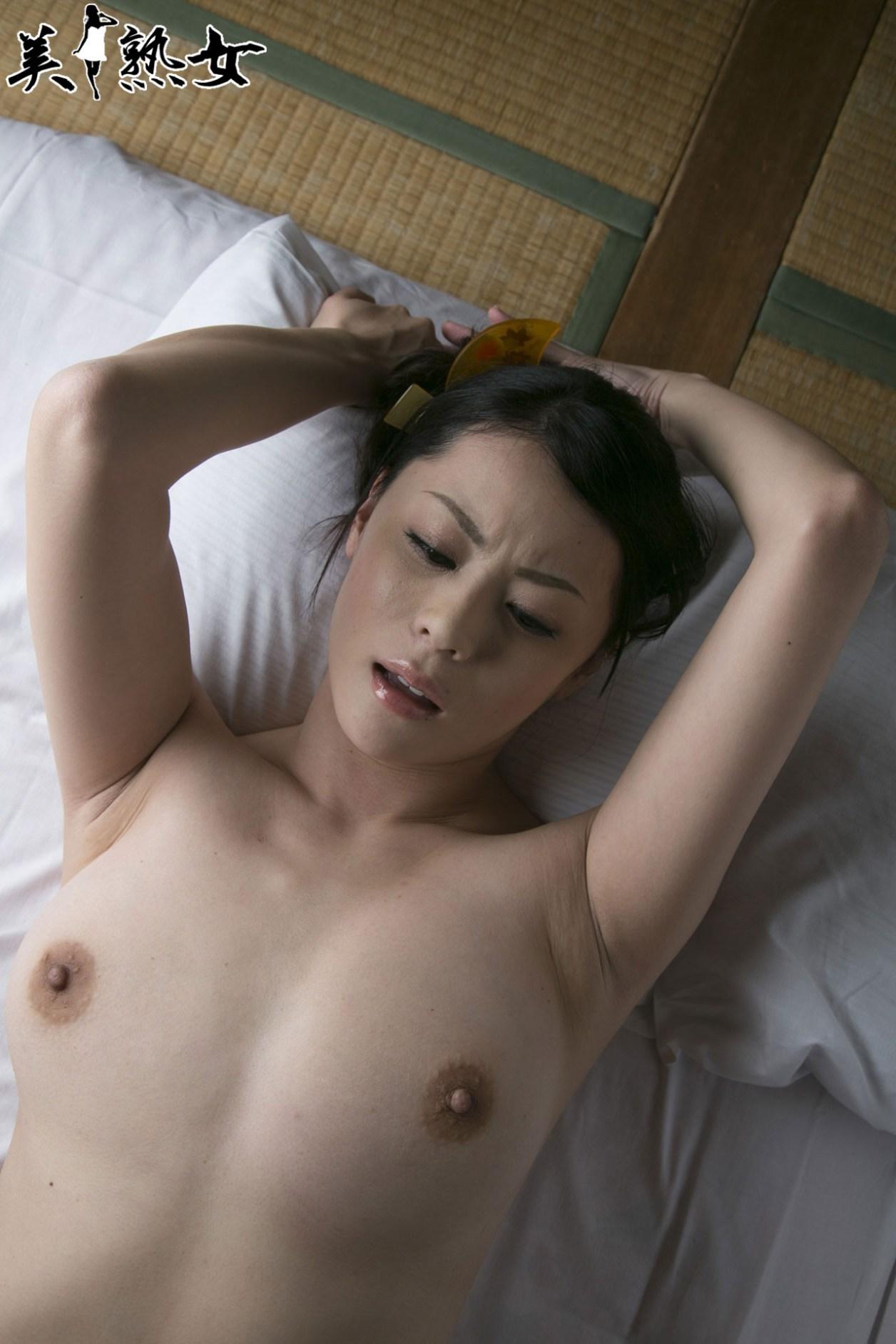 Aida-Nana-Bijukujo-049