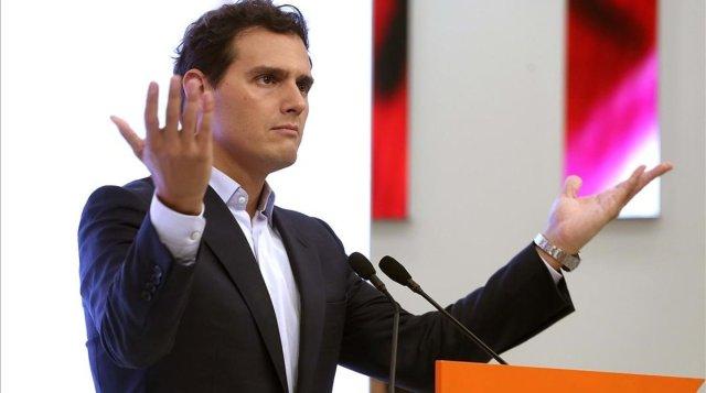 Rivera prefiere ahora la abstención porque Ciudadanos perdería casi la mitad de sus votantes el 10N