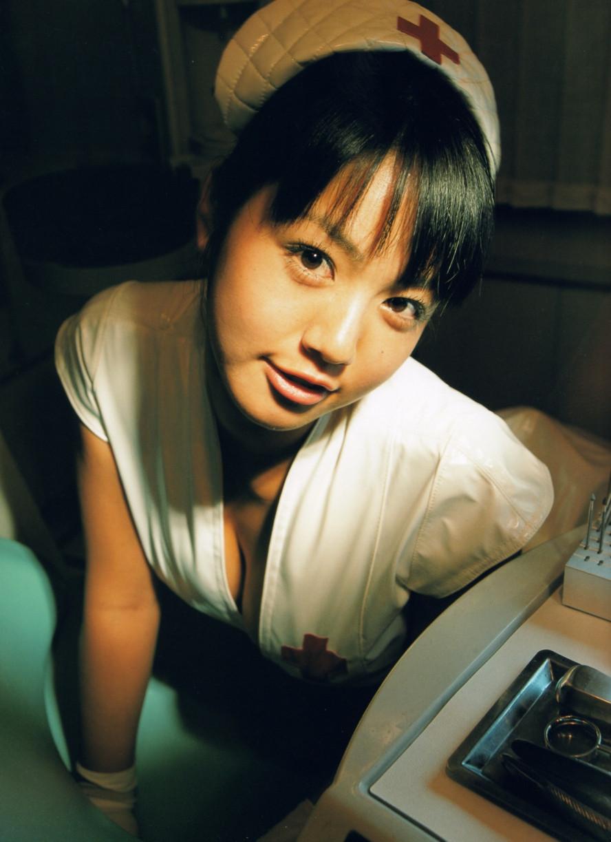 Isoyama-Sayaka-her-mavelous-youthful-days-049