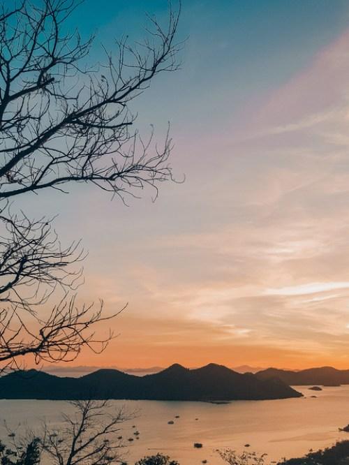 Free-Golden-Hour-Lightroom-Preset-for-Sunrise-or-Sunset